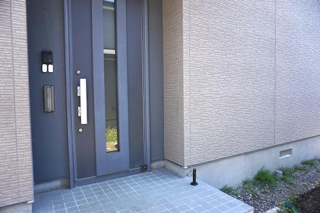 釧路のキッチンスタジオ「tanomana.studio」の玄関